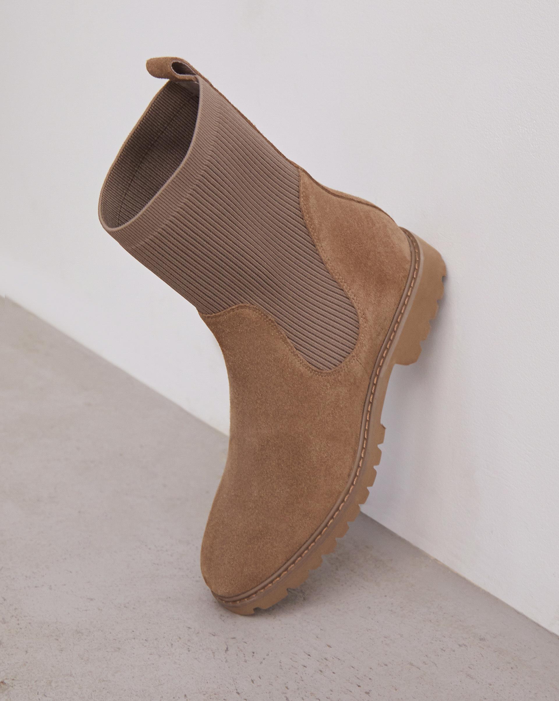 Ботинки высокие с трикотажным чулком